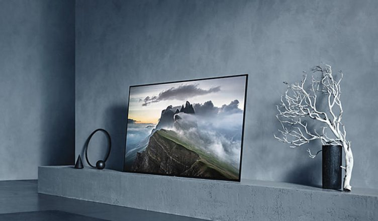 review sony a1 oled 4k hdr android tv hughes blog. Black Bedroom Furniture Sets. Home Design Ideas