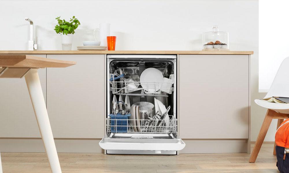 Indesit DFG15B1 Dishwasher Open